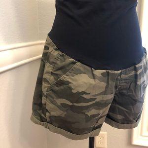 Pants - Full panel maternity shorts